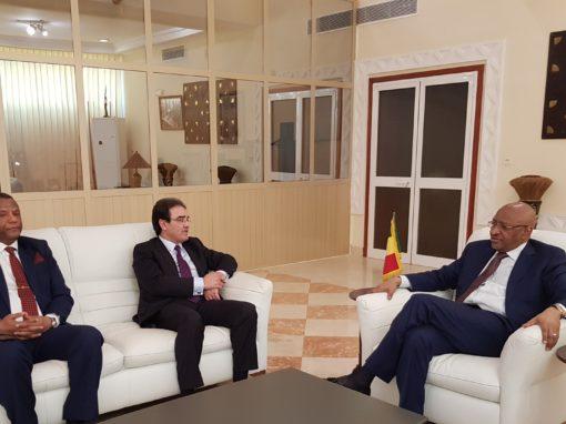 الوزير الأول المالي يستقبل الوزير عبد الكريم بنعتيق وقضايا مهمة على الطاولة